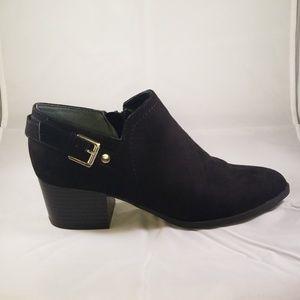 Unisa Black Booties Size 6